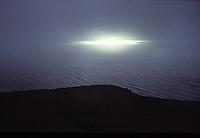 ISLANDA, paesaggio naturale: un fascio di luce in mezzo alla bruma.