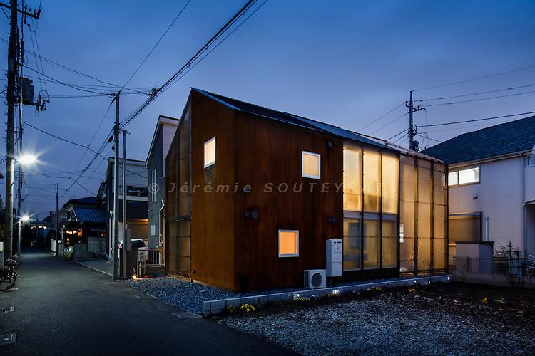 Tokyo, March 14 2014 - Chofu House by Daisuke Sugawara
