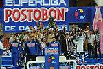 MEDELLÍN – COLOMBIA _ 28-01-2014 / En compromiso de vuelta de la SuperLiga Colombiana, Atlético Nacional, a pesar de vencer 1 – 0 Deportivo Cali, dejó escapar el primer título en disputa de 2014. El campeón fue Deportivo Cali tras vencer 4 – 3 en tanda de penales. / Deportivo Cali festeja el título obtenido.