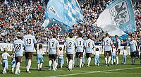 Fussball 2. Bundesliga:  Saison   2012/2013,    6. Spieltag  TSV 1860 Muenchen - Eintracht Braunschweig  23.09.2012 1860 Team vor dem Spiel