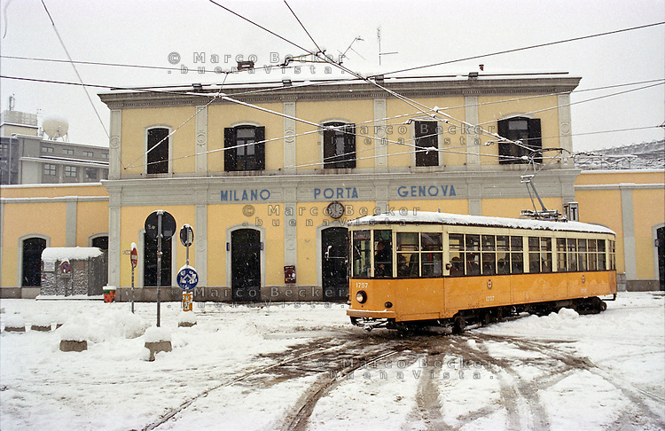 Nevicata su milano gennaio 2009 marco becker - Carabinieri porta genova milano ...