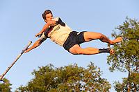 FIERLJEPPEN: BUITENPOST: 17-05-2014, Oane Galama wint de eerste wedstrijd met overmacht met een afstand van 20.95m, ©foto Martin de Jong