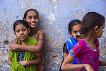 Girls having fun on the streets of Jaipur, Rajasthan (India, 2011).