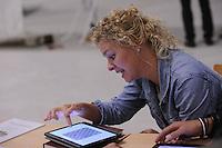 FRYSKE SPORTEN: LEEUWARDEN: 16-09-2015, Elfstedenhal, Fryske sport yn dyn klasse van start, Doete Stenekes (leerkracht Reinboge  Bantega), ©foto Martin de Jong