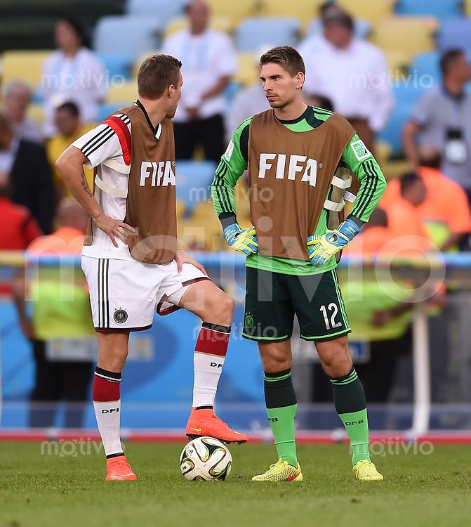 FUSSBALL WM 2014                FINALE Deutschland - Argentinien     13.07.2014 Kevin Grosskreutz (li) und Torwart Ron-Robert Zieler (re, beide Deutschland) talken in der Halbzeit