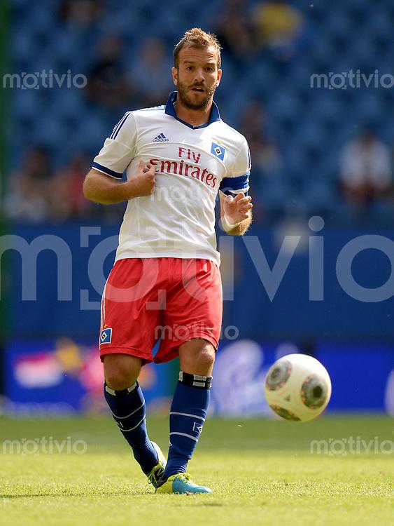 FUSSBALL   1. BUNDESLIGA   SAISON 2013/2014   NORDCUP  Hamburger SV - Eintracht Braunschweig             13.07.2013 Rafael van der Vaart (Hamburger SV)  am Ball