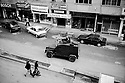 Turquie 1998.Patrouille militaire dans Van, l'aprés midi..Turkey 1998.Military patrol in the streets of Van