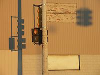 Detroit: downtown, il centro della città. Un semaforo rosso.