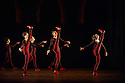London, UK. 01.10.2014. Brazilian company, GRUPO CORPO, perform PARABELO, at Sadler's Wells as part of their UK tour, presented by Dance Consortium. Photograph © Jane Hobson.
