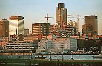 London:   Thameside Walk  #20.  Looking back towards National Westminster Bank. Photo '90.