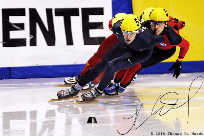 2008 World Cup Short Track - Vancouver - Travis Jayner (USA)  leads Tyson Heung (GER) during the 1000m Men's Repcharge A Final .