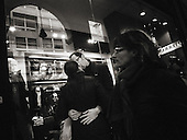 Street Photograhy, Italy, Milan, Milano, man and woman kissing in the city, love