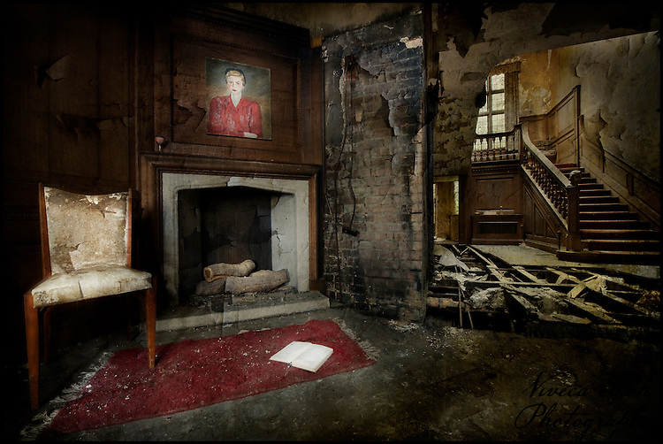 Lobby at the abandoned Potters Manor.