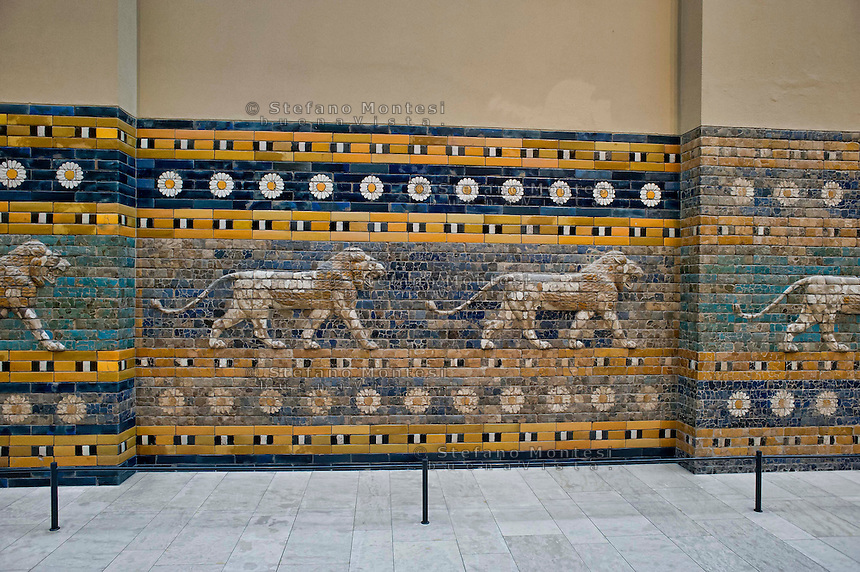 Berlin,  Museum Island<br /> Pergamon Museum, Processional Way from Babylon i(Irak)