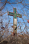 WATERBURY, CT. 08 January 2008-010408SV06-- The Holy Land Cross will be dismantled and rebuilt with new lighting.<br /> Steven Valenti Republican-American