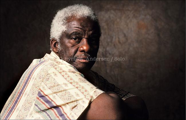 Mazisi Kunene