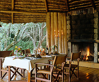 In true safari tradition, evening meals are a special occasion and in the treehouse the dining area is centred around a large fireplace