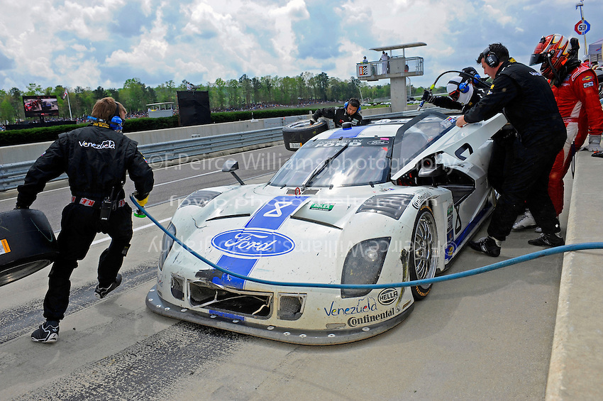 #8 Starworks Motorsports Ford/Riley of Ryan Dalziel & Enzo Potolicchio makes a pit stop.  class: Daytona Prototype (DP)