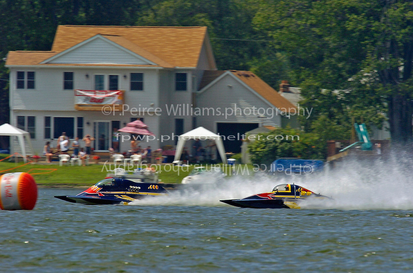 "Dan Kanfoush, A-600 ""Mr.Bud"", 2.5 Mod hydroplane and Nicky Pellerin, A-60 ""Mr. Bud"", 2.5 Mod hydroplane"