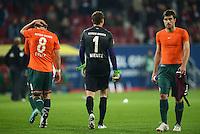 FUSSBALL   1. BUNDESLIGA  SAISON 2012/2013   7. Spieltag FC Augsburg - Werder Bremen          05.10.2012 Clemens Fritz, Torwart Sebastian Mielitz, Sokratis Papastathopoulos (v. li., SV Werder Bremen)