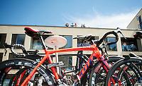 fans with an overview<br /> <br /> 2014 Tour de France<br /> stage 3: Camebridge-London (155km)