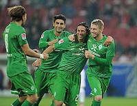 FUSSBALL   1. BUNDESLIGA  SAISON 2011/2012   11. Spieltag   29.10.2011 1.FSV Mainz 05 - SV Werder Bremen JUBEL Werder Bremen; Clemens Fritz, Mehmet Ekic,Claudio Pizarro und  Torschuetze zum 1-2 Aaron Hunt (v.li.)
