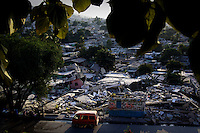 Terremoto en Haiti.  Terremoto en Haiti. Vista de la devastacion en la ciudad..After quake in Haiti, the population affected suffer the consecuences of the disaster