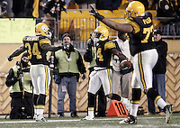 PITTSBURGH, PA - DECEMBER 08: Antonio Brown #84 of the Pittsburgh Steelers celebrates with teammate Rashard Mendenhall #34 after scoring on a 79 yard touchdown pass against the Cleveland Browns during the game on December 8, 2011 at Heinz Field in Pittsburgh, Pennsylvania.  (Photo by Jared Wickerham/Getty Images)