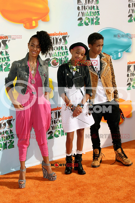 Jada Pinkett Smith, Willow Smith and Jaden Smith at Nickelodeon's 25th Annual Kids' Choice Awards at The Galen Center on March 31, 2012 in Los Angeles, California. &copy; mpi26/MediaPunch Inc. /NortePhoto.com)<br />