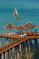 Afrique/Afrique de l'Est/Tanzanie/Zanzibar/Ile Unguja/Kiwenga: Hotel Zamani Zanzibar Kempinski - Front de mer et boutre sur l'Océan Indien