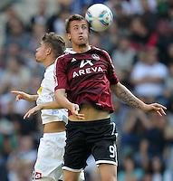 FUSSBALL   1. BUNDESLIGA   SAISON 2011/2012    7. SPIELTAG Borussia Moenchengladbach - 1. FC Nuernberg         24.09.2011 Roman NEUSTAEDTER (li, Moenchengladbach) gegen Tomas PEKHART (re, Nuernberg)