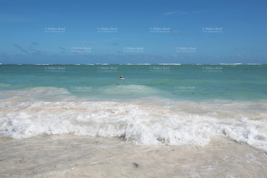 punta cana single men Not one review was written by a single guy, hence me writing now so this review is from a 29-year-old fit canadian bachelor my vacation in punta cana began on the 21st of december and ended one week later.