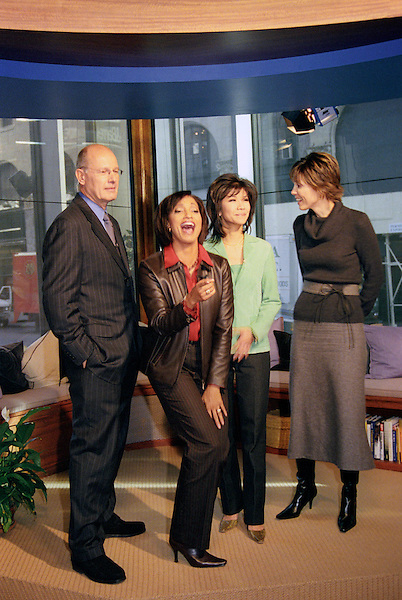 NEW YORK, UNITED STATES OF AMERICA  - OCTOBER 23: CBS's The Early Show anchors Harry Smith, Rene Syler, Julie Chen and Hannah Storm.  New York,NY. USA. October 23, 2002.