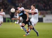 FUSSBALL   INTERNATIONAL   UEFA EUROPA LEAGUE   SAISON 2012/2013    Achtelfinale Hinspiel VfB Stuttgart - Lazio Rom      07.03.2013 Ederson (li, Lazio Rom) gegen William Kvist (VfB Stuttgart)