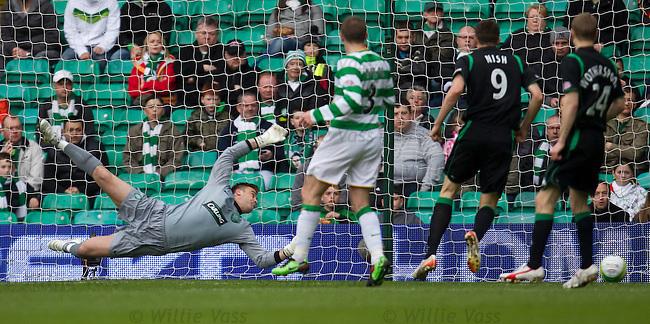 Artur Boruc helpless as Derek Riordan's shot flies into the net to equalise for Hibs