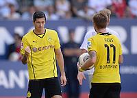 Fussball  1. Bundesliga  Saison 2013/2014    FC Augsburg - Borussia Dortmund      10.08.2013 JUBEL Dortmund; Robert Lewandowski (li) nach seinem Tor zum 0-4 mit Marco Reus