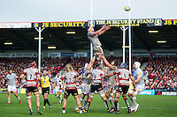 Tom Ellis of Bath Rugby rises high to win lineout ball. Aviva Premiership match, between Gloucester Rugby and Bath Rugby on October 1, 2016 at Kingsholm Stadium in Gloucester, England. Photo by: Patrick Khachfe / Onside Images