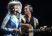 GEORGE JONES & TAMMY WYNETTE LIVE 1981 (3)