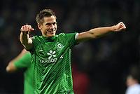 FUSSBALL   1. BUNDESLIGA   SAISON 2011/2012    16. SPIELTAG SV Werder Bremen - VfL Wolfsburg          10.12.2011 Markus Rosenberg (SV Werder Bremen) bejubelt seinen Treffer zum 3:0
