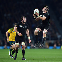 Richie McCaw of New Zealand claims the ball in the air. Rugby World Cup Final between New Zealand and Australia on October 31, 2015 at Twickenham Stadium in London, England. Photo by: Patrick Khachfe / Onside Images