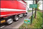 Nederland, Houten, 27-04-2011 Hectometer snelheidsbeperking berm bordje van Provincie Utrecht. FOTO: Gerard Til / Hollandse Hoogte