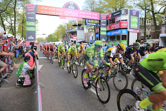 Huge crowds on the finishing circuit in Nijmegen during Stage 2 of the 2016 Giro d'Italia running 190km from Arnhem to Nijmegen, The Nethrerlands. 7th May 2016.<br /> Picture: Eoin Clarke   Newsfile<br /> <br /> <br /> All photos usage must carry mandatory copyright credit (&copy; Newsfile   Eoin Clarke)