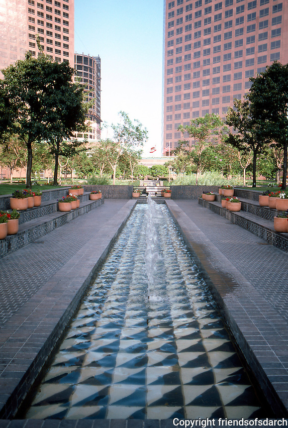 Los Angeles: Bunker Hill, Security Pacific Plaza. Photo '84.