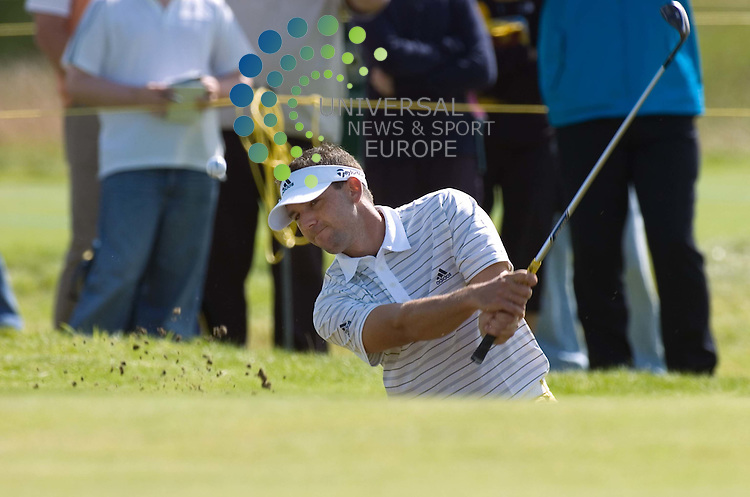 OPEN TUESDAY...PIC..BRIAN STEWART.SERGIO GARCIA DURING PRACTICE AT CARNOUSTIE