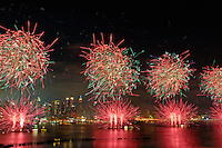 New York City, NY, Macy's July 4 fireworks, Hudson River, View from Weehawken, NJ