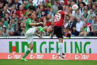 FUSSBALL   1. BUNDESLIGA   SAISON 2012/2013   3. SPIELTAG Hannover 96 - SV Werder Bremen     15.09.2012 Clemens Fritz (li, SV Werder Bremen) gegen Lars Stindl (re, Hannover 96)