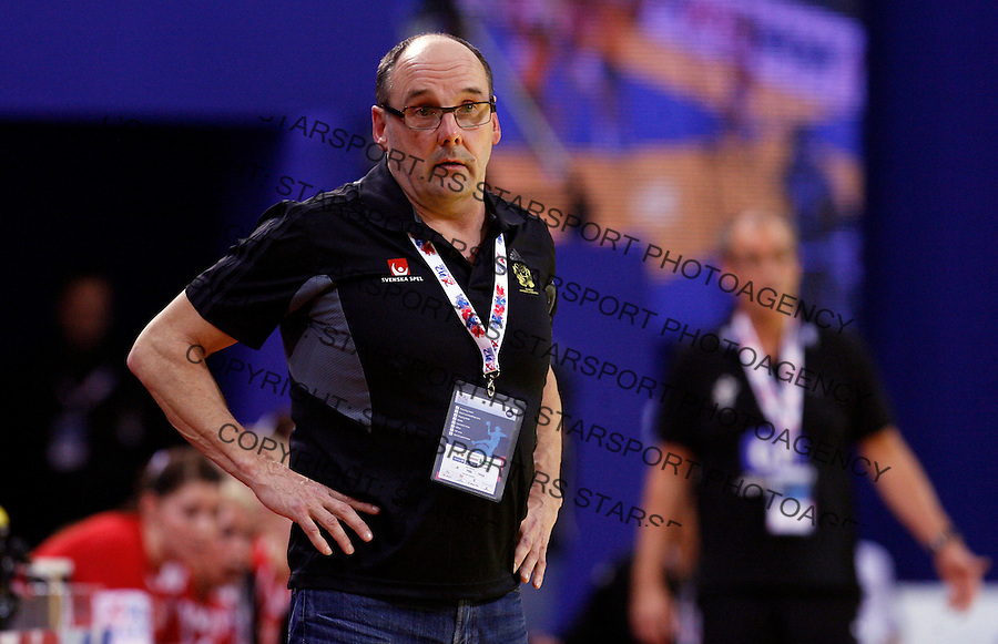 NIS, SERBIA 4/12/2012/ Sweden national handball team head coach Torbjorn Klingvall during Women`s European Handball Championship match between Sweden and Denmark in Cair arena in city of Nis in southern Serbia on  December 4, 2012 Credit: PEDJA MILOSAVLJEVIC/SIPA/