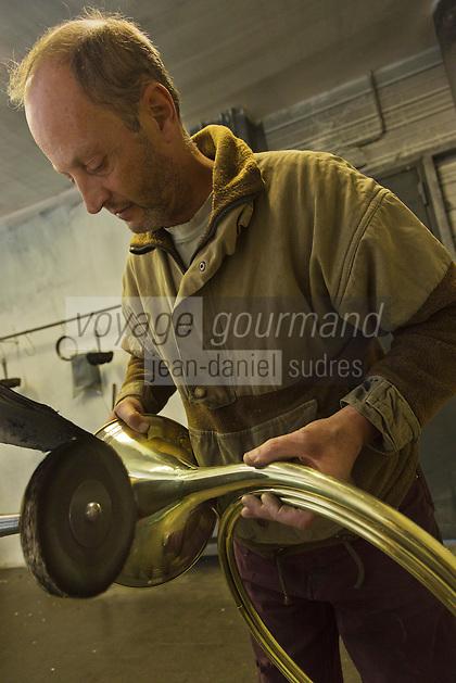 Fabrication d 39 une trompe de chasse voyage gourmand - Fabrication glue pour chasse ...