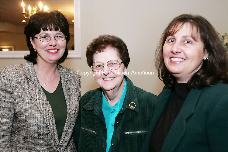 WATERTOWN, CT  11 MARCH 2005 -031106JS12-Debbie Pasquale of Durham, left, Madeline Oertel of Wallingford, center, and Sue Gianotti, Operations Manager with Greater Waterbury Imaging Center, at the VNA Health at Home in Watertown annual fundraiser at the Grand Oak Villa in Watertown. Greater Waterbury Imaging Center, located at the Waterbury Hospital campus, was one of the sponsors of the event.  --- Jim Shannon Republican-American --Madeline Oertel; Debbie Pasquale; Sue Gianotti are CQ