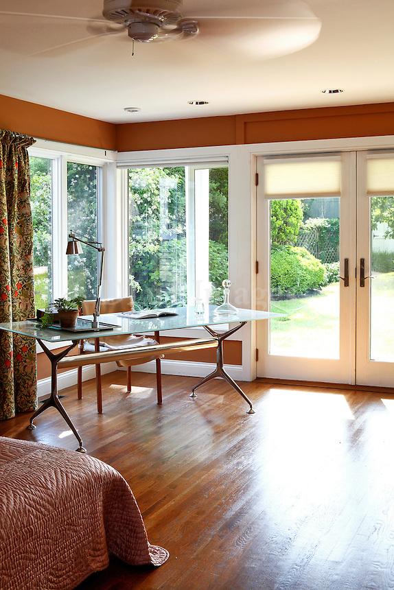 contemporary luxury bedroom